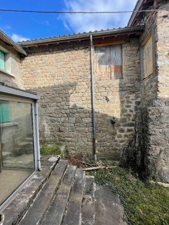 Maison à vendre 3 110m2 à Marcols-les-Eaux vignette-3
