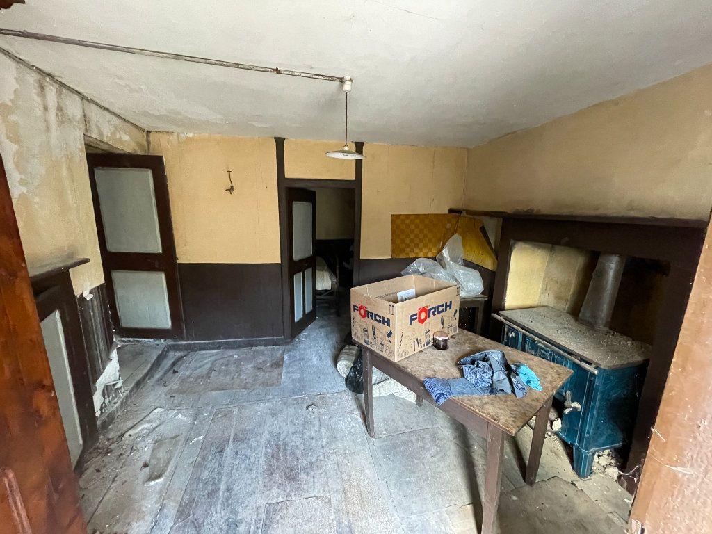 Maison à vendre 3 110m2 à Marcols-les-Eaux vignette-9