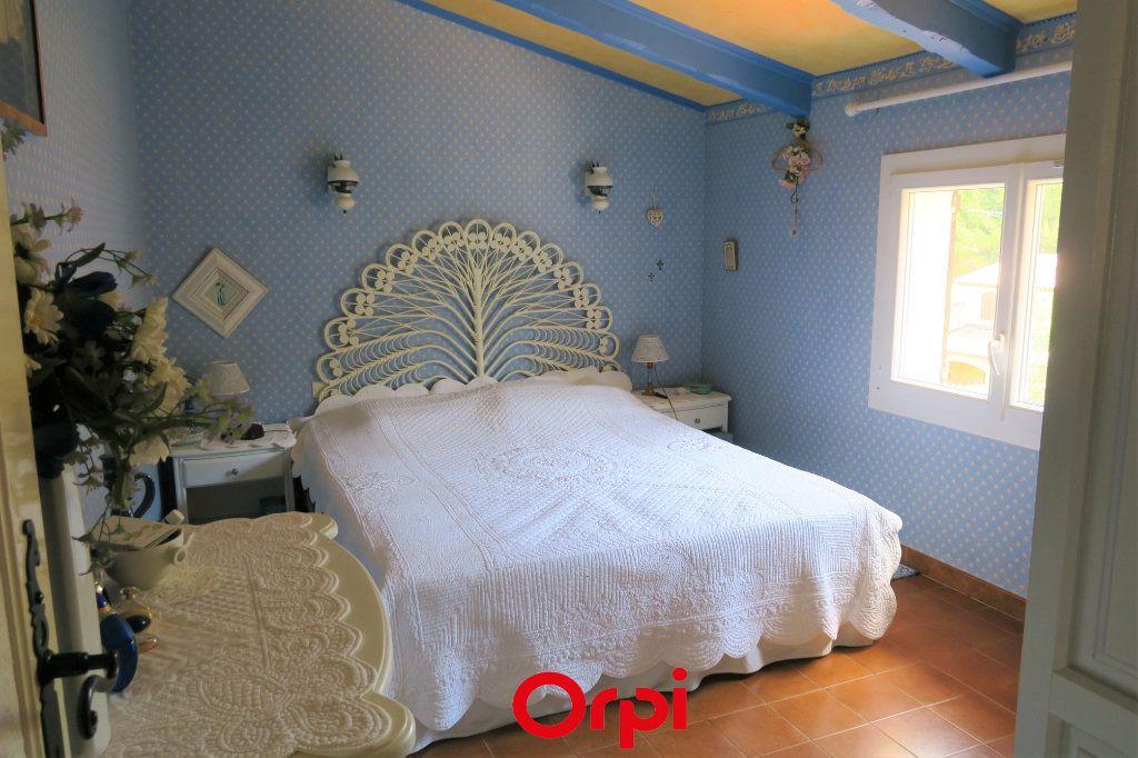 Maison à vendre 10 219m2 à Saint-Cyr-sur-Mer vignette-6