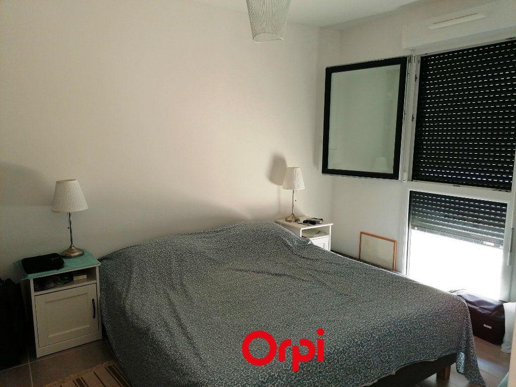 Appartement à vendre 2 37m2 à Saint-Cyr-sur-Mer vignette-3