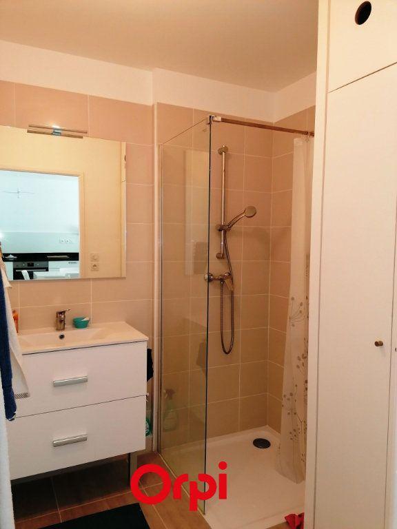Appartement à vendre 2 37m2 à Saint-Cyr-sur-Mer vignette-6