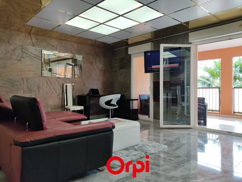 Appartement à vendre 2 59.59m2 à Saint-Cyr-sur-Mer vignette-1