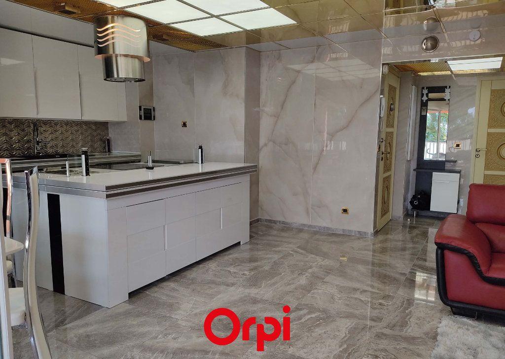 Appartement à vendre 2 59.59m2 à Saint-Cyr-sur-Mer vignette-2