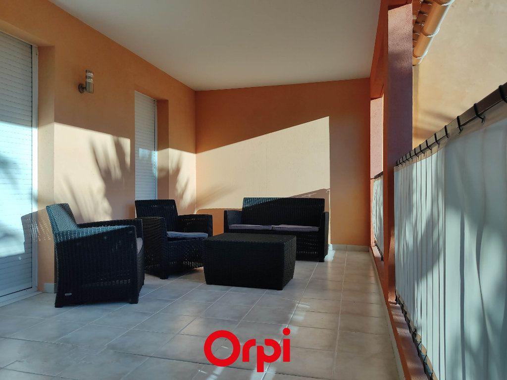 Appartement à vendre 2 59.59m2 à Saint-Cyr-sur-Mer vignette-3