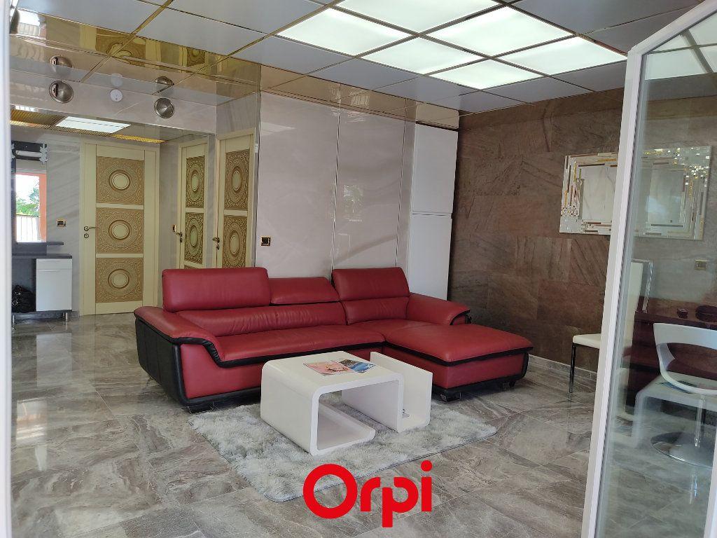 Appartement à vendre 2 59.59m2 à Saint-Cyr-sur-Mer vignette-5