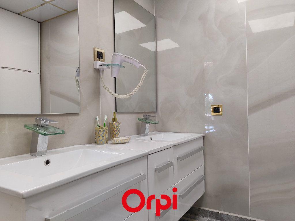 Appartement à vendre 2 59.59m2 à Saint-Cyr-sur-Mer vignette-7