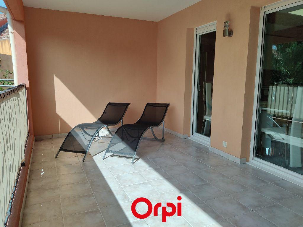 Appartement à vendre 2 59.59m2 à Saint-Cyr-sur-Mer vignette-9