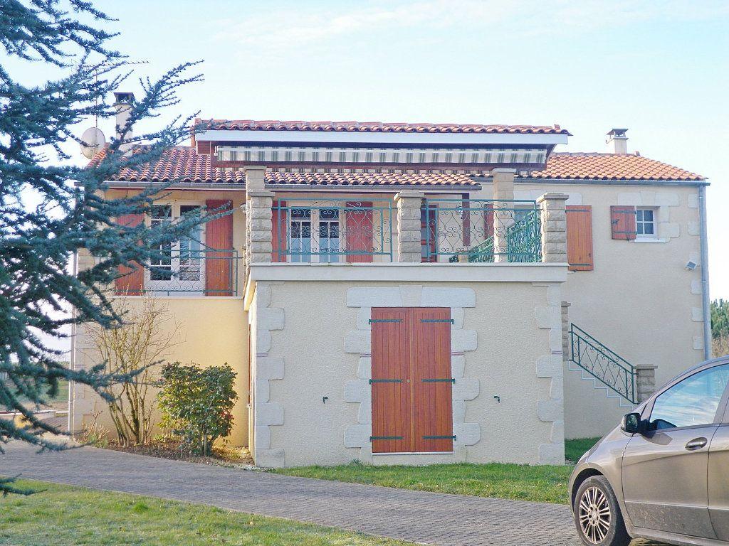Maison à vendre 6 90m2 à Bouëx vignette-1