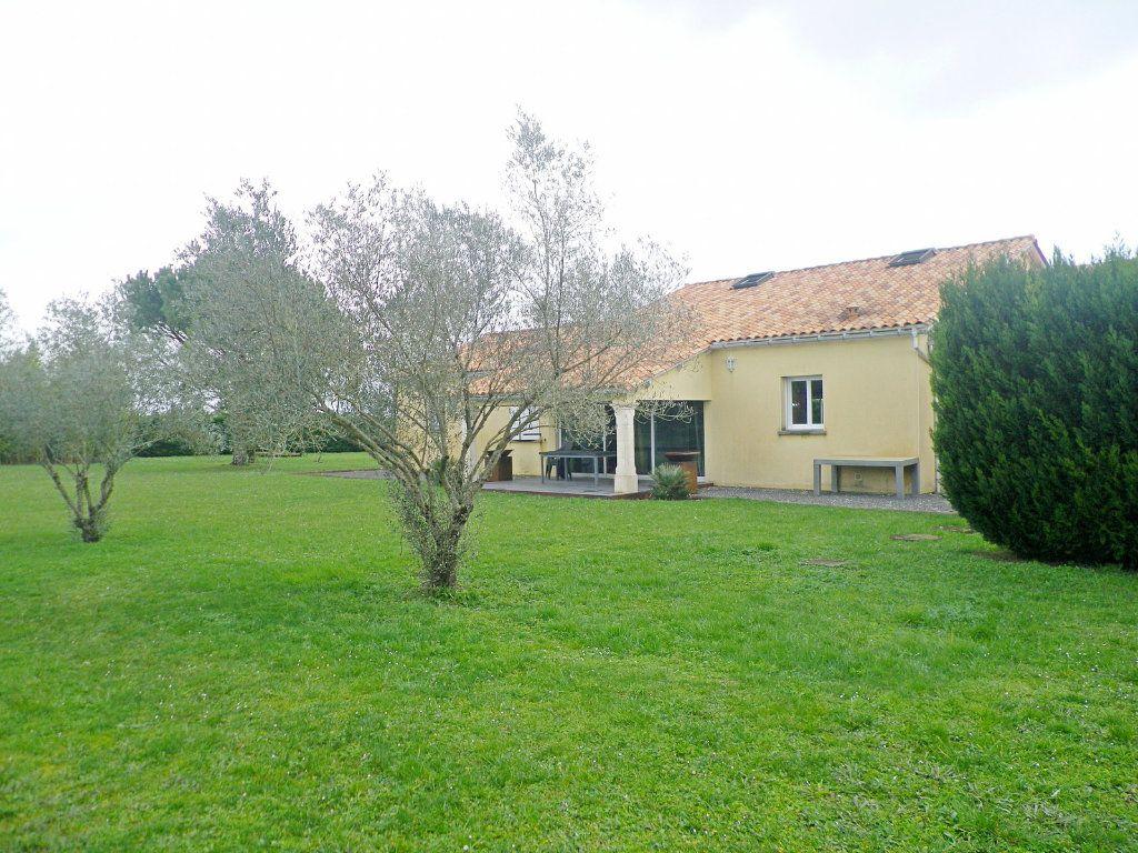 Maison à vendre 10 255m2 à Brie vignette-2