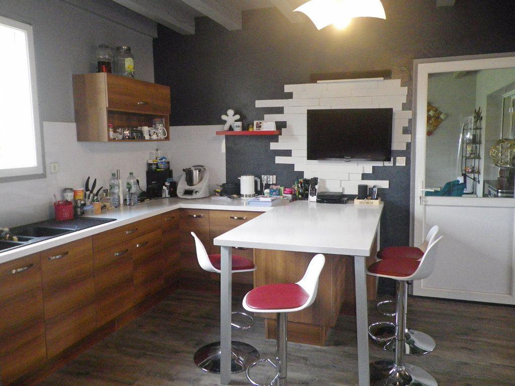 Maison à vendre 10 255m2 à Brie vignette-5