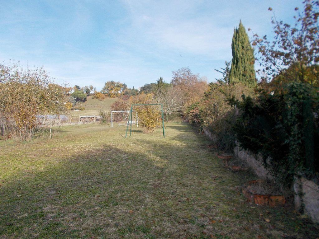 Maison à vendre 9 215m2 à Saint-Yrieix-sur-Charente vignette-2