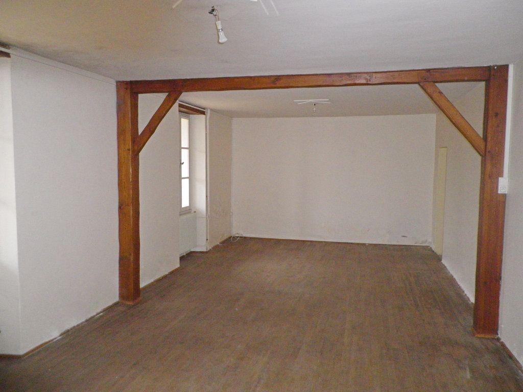 Maison à vendre 9 215m2 à Saint-Yrieix-sur-Charente vignette-3