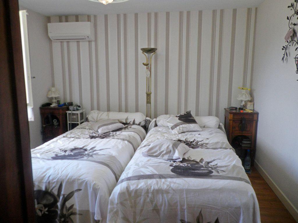 Maison à vendre 7 158m2 à Saint-Michel vignette-4