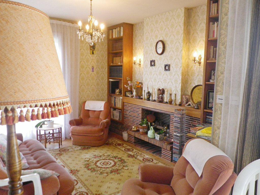 Maison à vendre 6 113m2 à L'Isle-d'Espagnac vignette-2