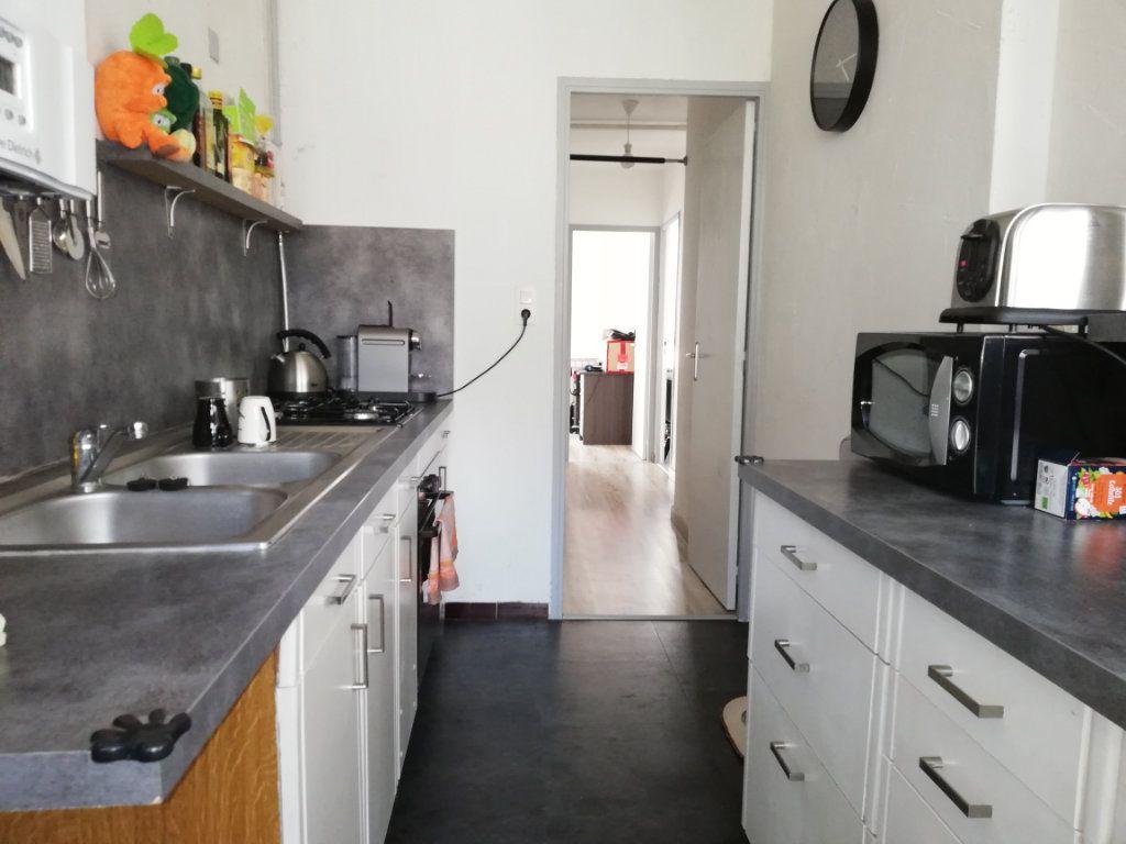 Appartement à louer 3 65m2 à Toulon vignette-1