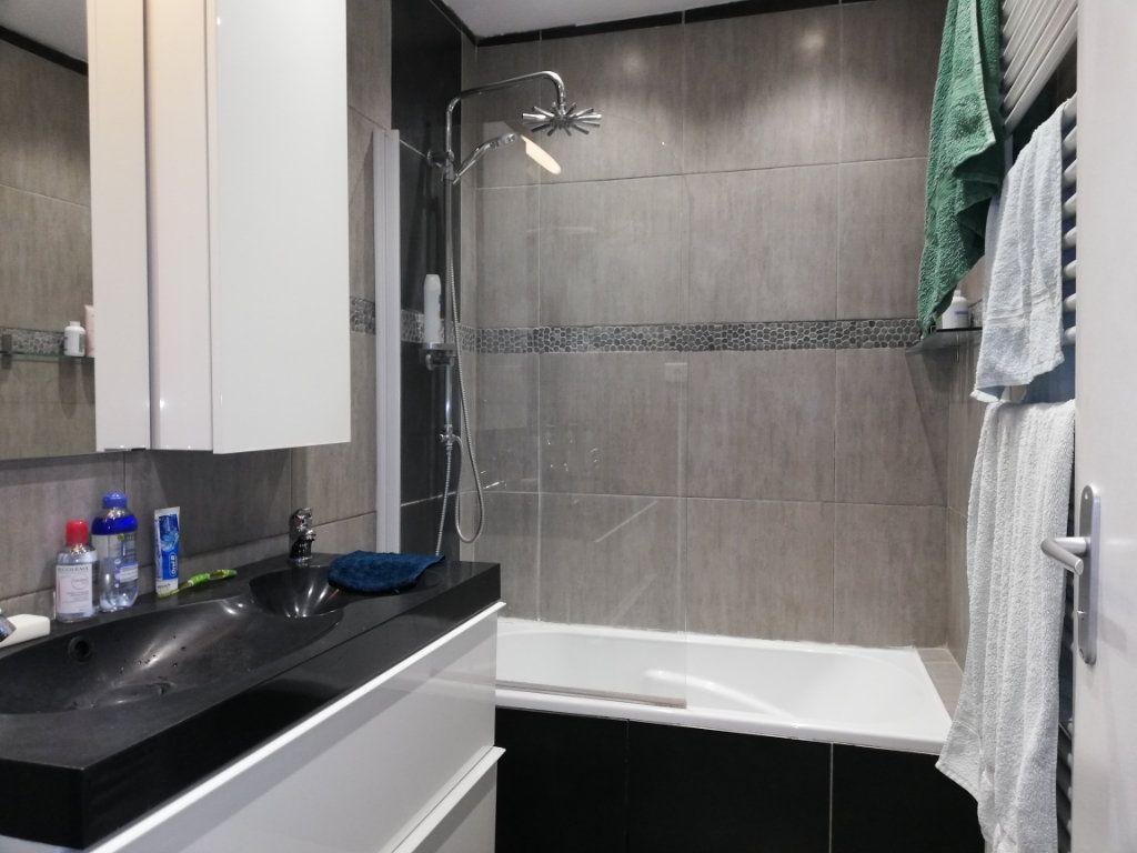 Appartement à louer 3 65m2 à Toulon vignette-3