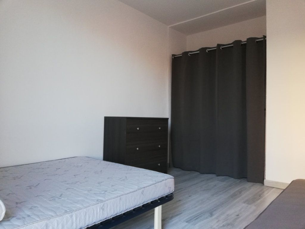 Appartement à louer 3 65m2 à Toulon vignette-7