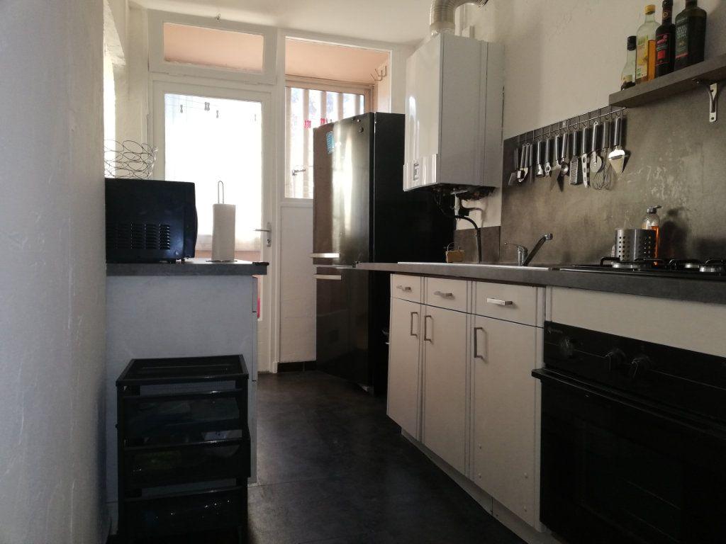 Appartement à louer 3 65m2 à Toulon vignette-10