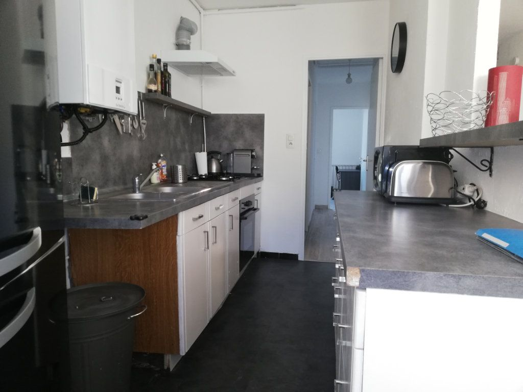 Appartement à louer 3 65m2 à Toulon vignette-11
