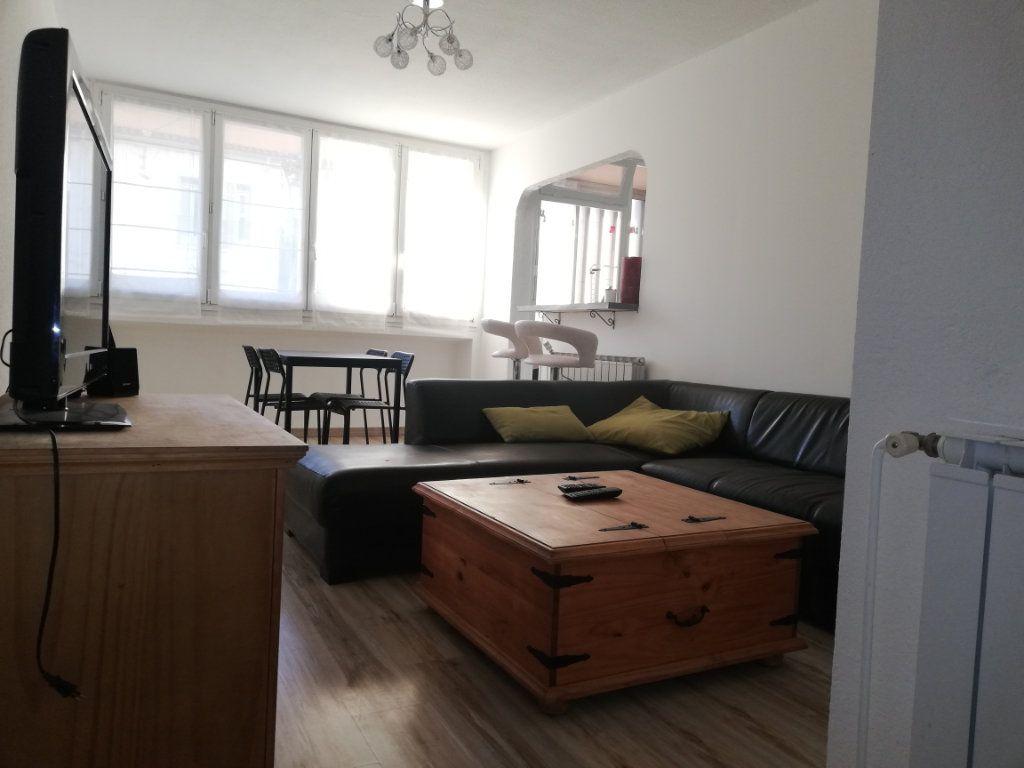 Appartement à louer 3 65m2 à Toulon vignette-12