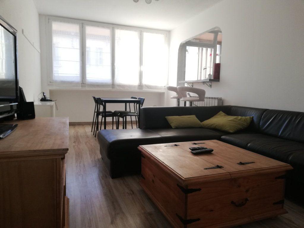 Appartement à louer 3 65m2 à Toulon vignette-13