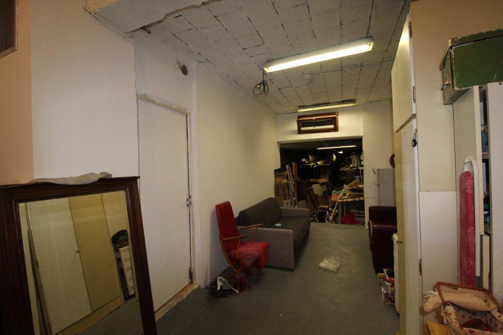 Appartement à vendre 3 141m2 à Toulon vignette-4