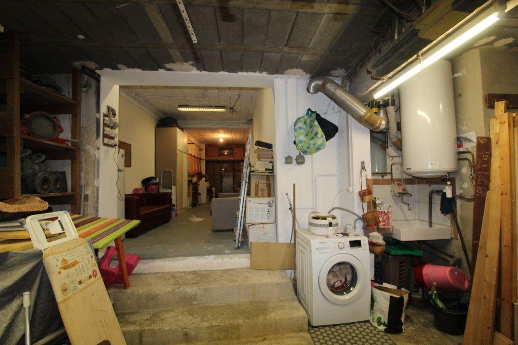 Appartement à vendre 3 141m2 à Toulon vignette-6