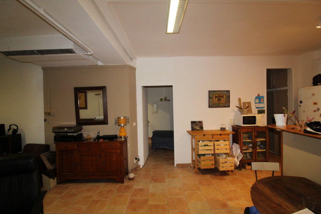 Appartement à vendre 3 141m2 à Toulon vignette-7