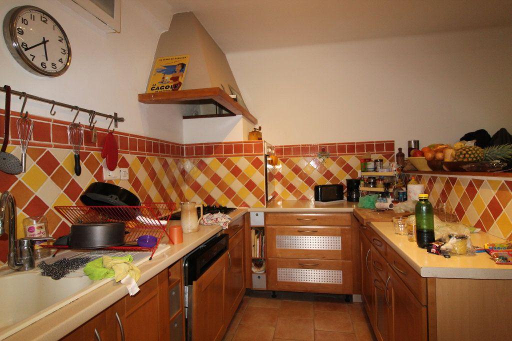 Appartement à vendre 3 141m2 à Toulon vignette-8