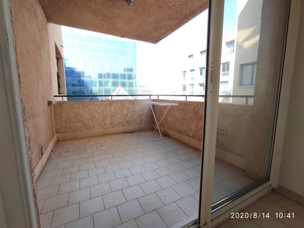 Appartement à louer 1 31.8m2 à Toulon vignette-5