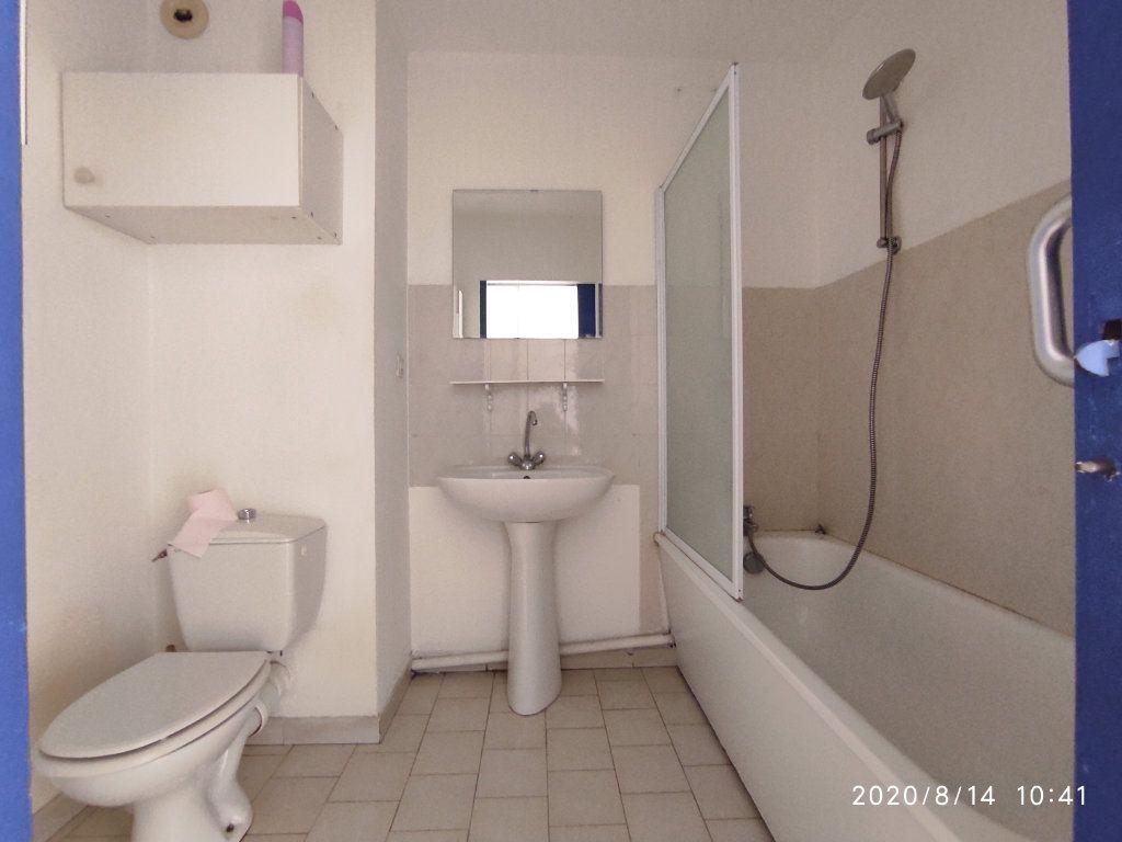 Appartement à louer 1 31.8m2 à Toulon vignette-6