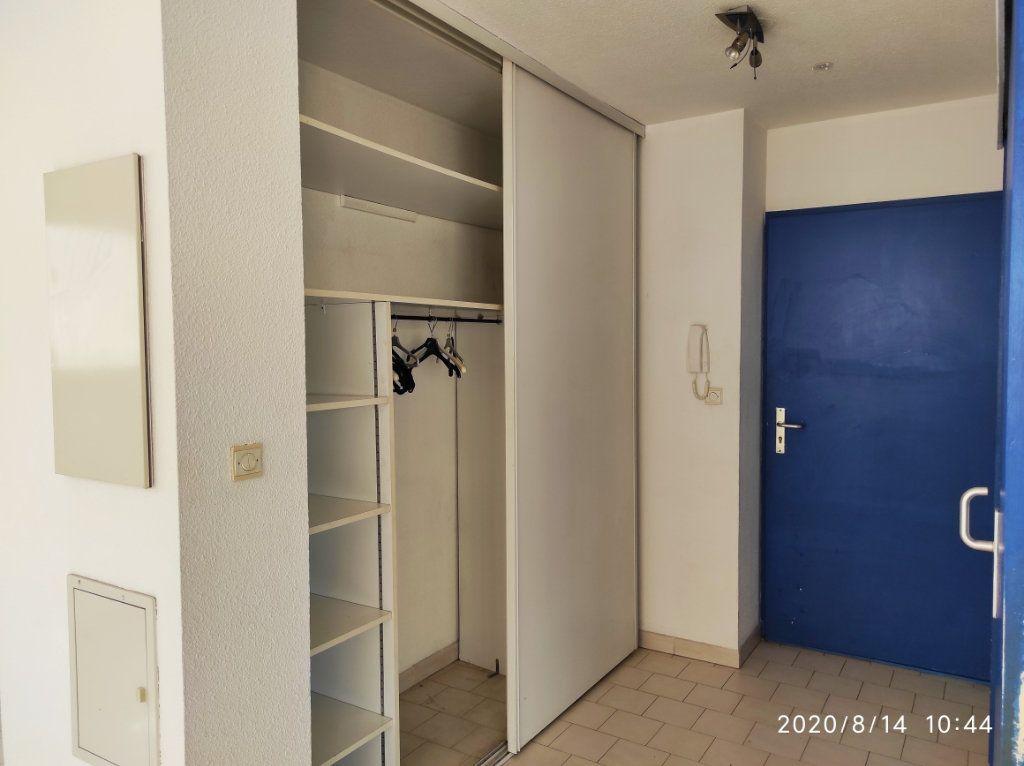 Appartement à louer 1 31.8m2 à Toulon vignette-7