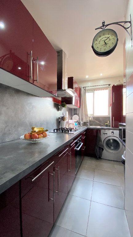 Appartement à vendre 3 54m2 à Toulon vignette-2