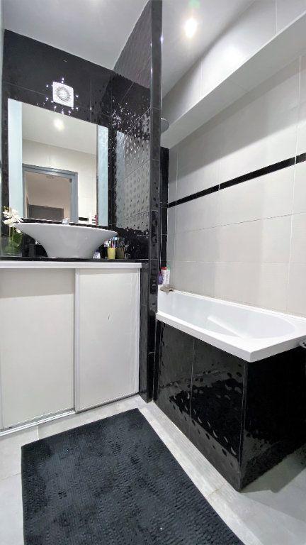 Appartement à vendre 3 54m2 à Toulon vignette-5