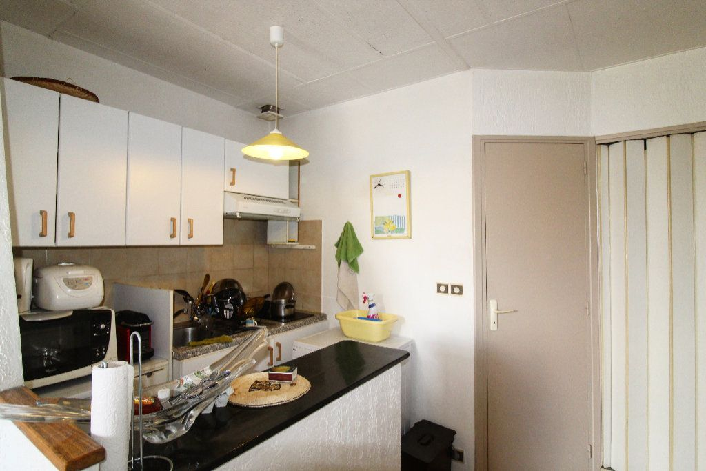 Appartement à vendre 1 21.42m2 à Toulon vignette-1
