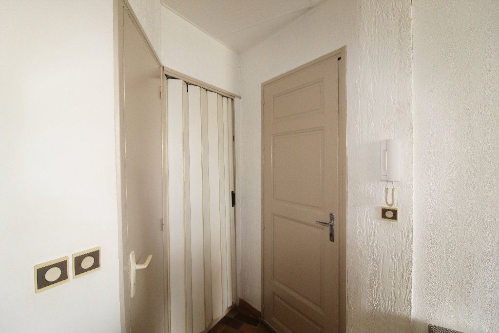 Appartement à vendre 1 21.42m2 à Toulon vignette-6