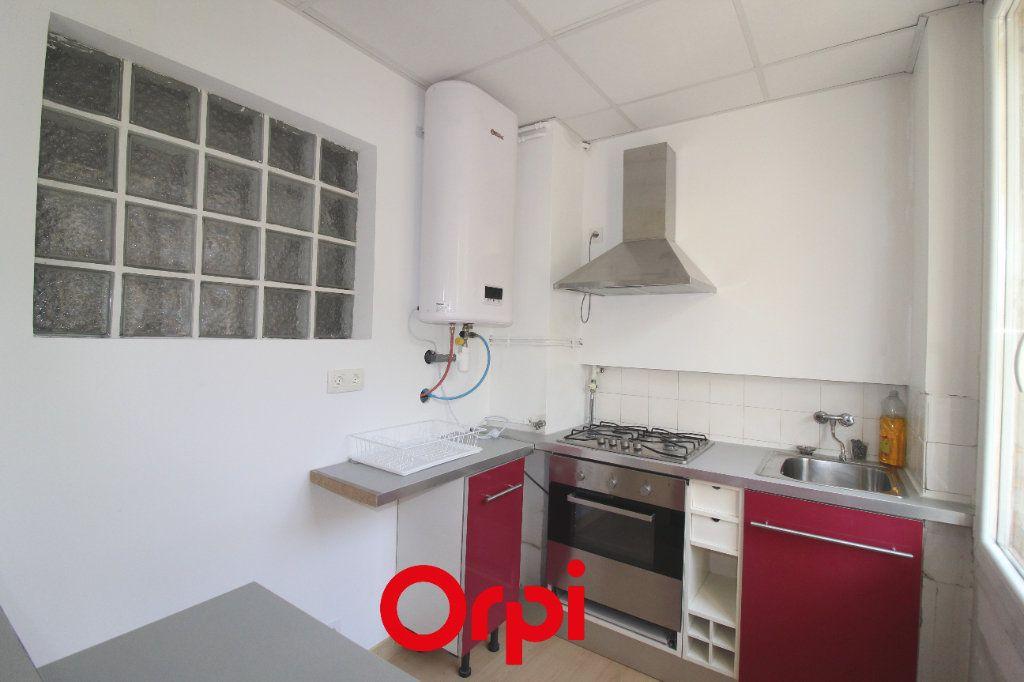 Appartement à vendre 2 48m2 à Toulon vignette-1
