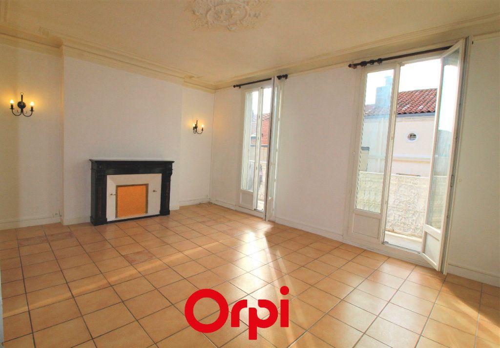 Appartement à vendre 4 83m2 à Toulon vignette-1