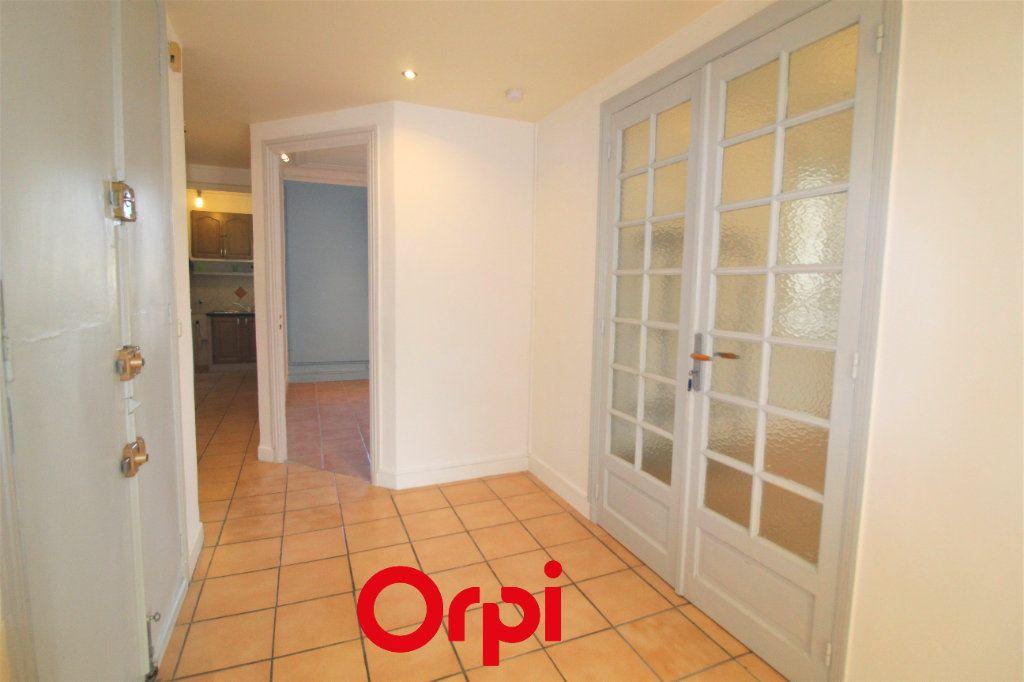 Appartement à vendre 4 83m2 à Toulon vignette-3