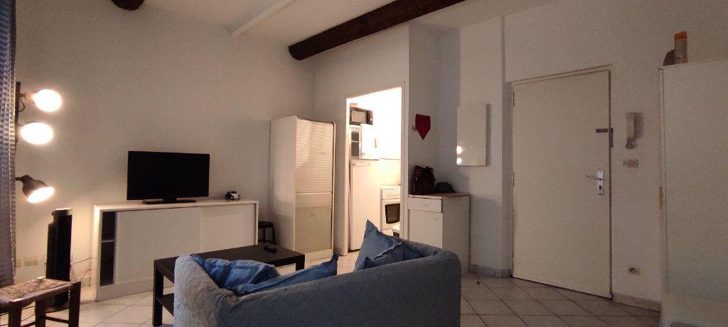 Appartement à louer 2 30.74m2 à Toulon vignette-2