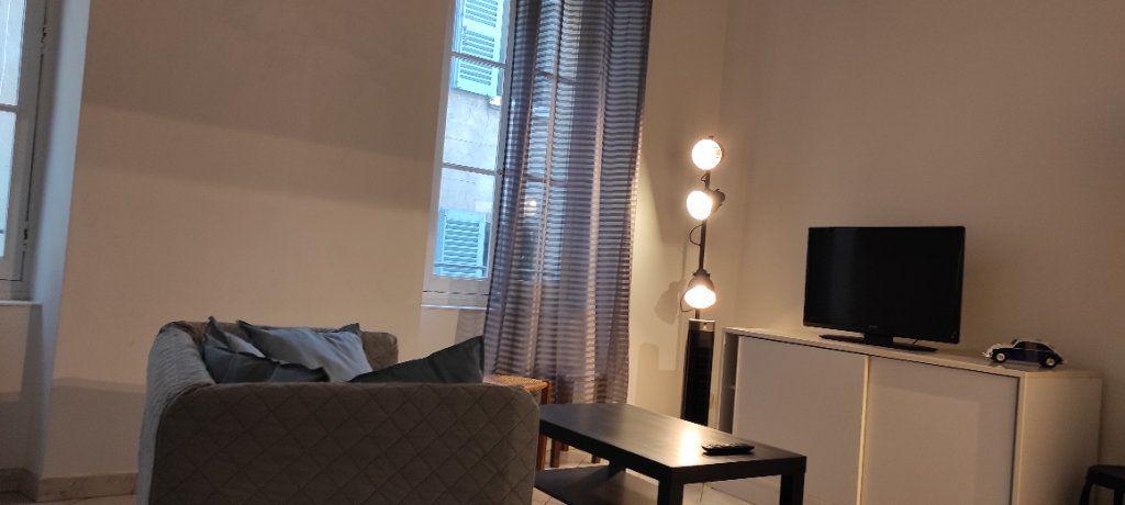Appartement à louer 2 30.74m2 à Toulon vignette-5
