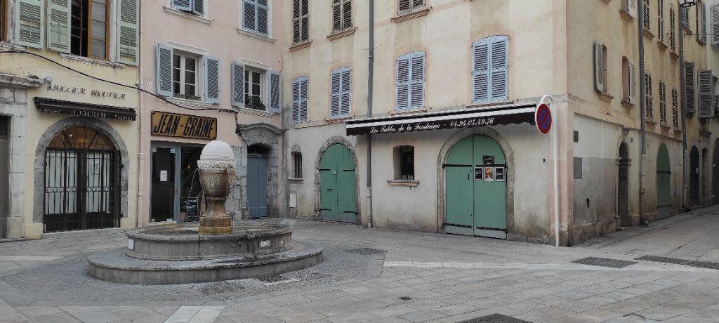 Appartement à louer 2 30.74m2 à Toulon vignette-7