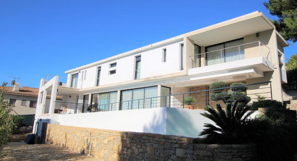 Maison à vendre 7 167m2 à La Cadière-d'Azur vignette-1