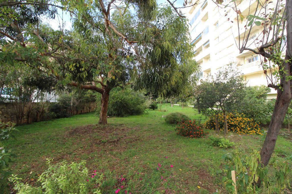 Appartement à louer 3 68m2 à Toulon vignette-6