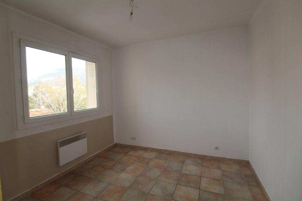 Appartement à louer 3 68m2 à Toulon vignette-8