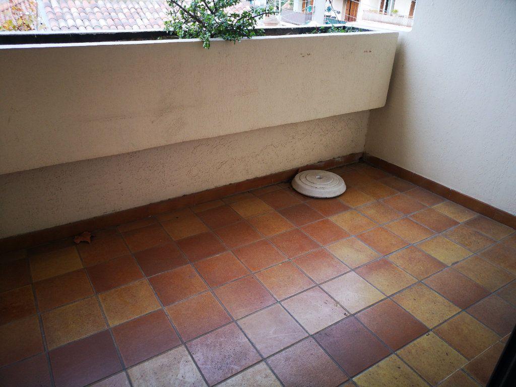 Appartement à vendre 1 26m2 à Toulon vignette-6