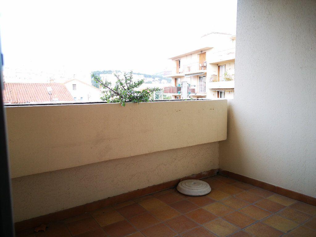 Appartement à vendre 1 26m2 à Toulon vignette-8