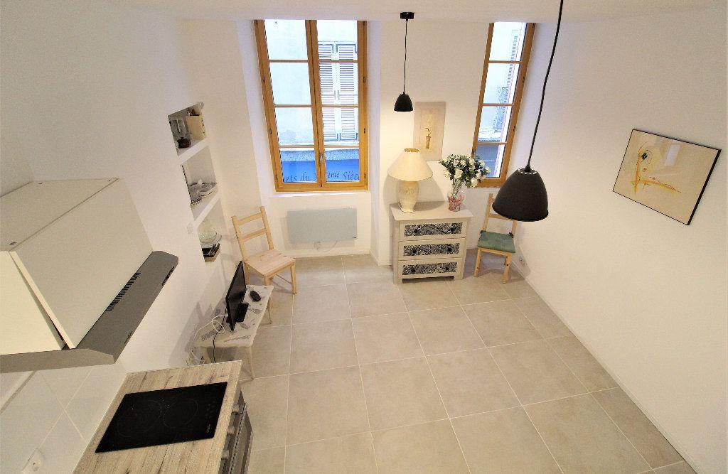Appartement à louer 1 18.26m2 à Toulon vignette-4