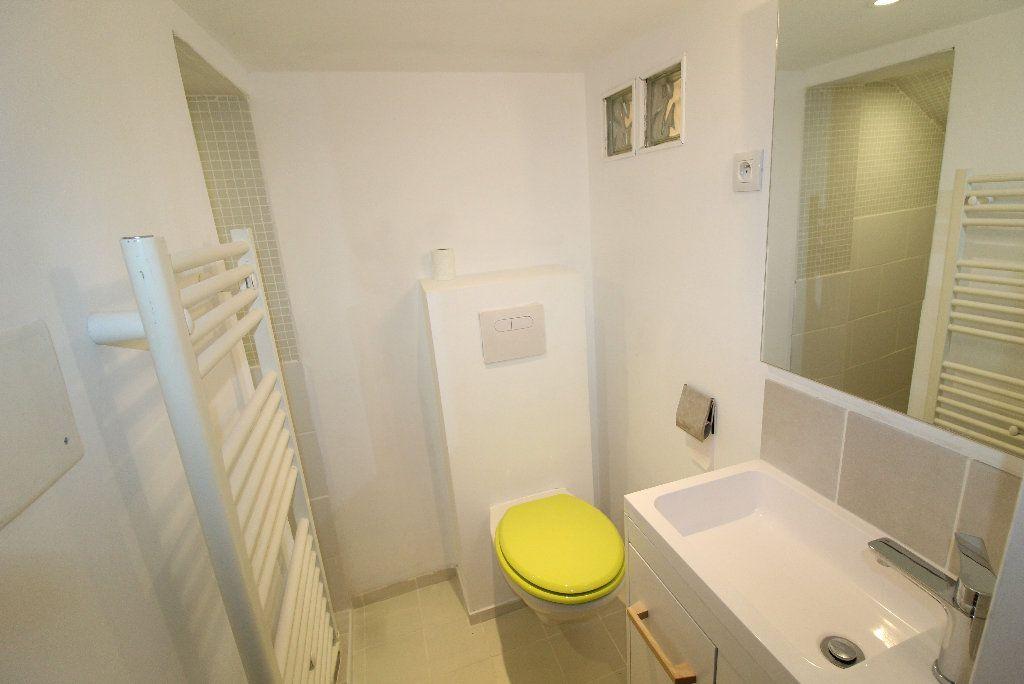 Appartement à louer 1 18.26m2 à Toulon vignette-6