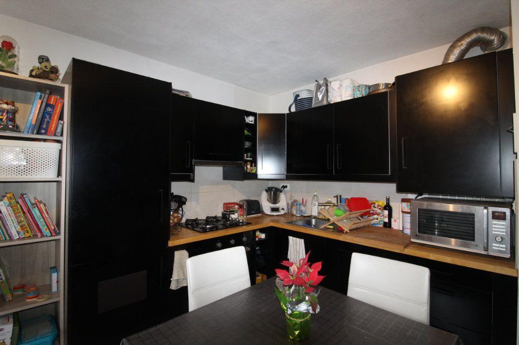 Appartement à vendre 3 52.22m2 à Ollioules vignette-4